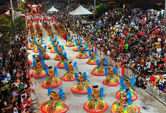 Assista a última noite do Carnaval de Uruguaiana-RS