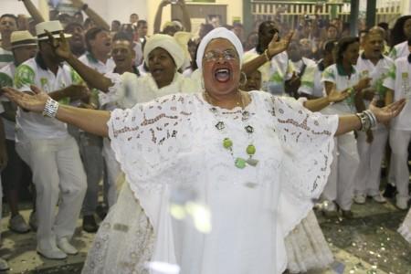 Mocidade: festa das baianas no domingo