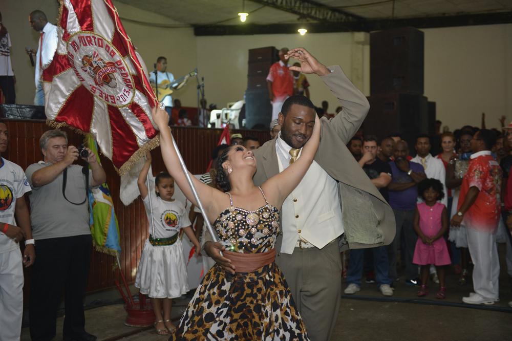 Porto da Pedra realiza feijoada e apresenta sambas no sábado