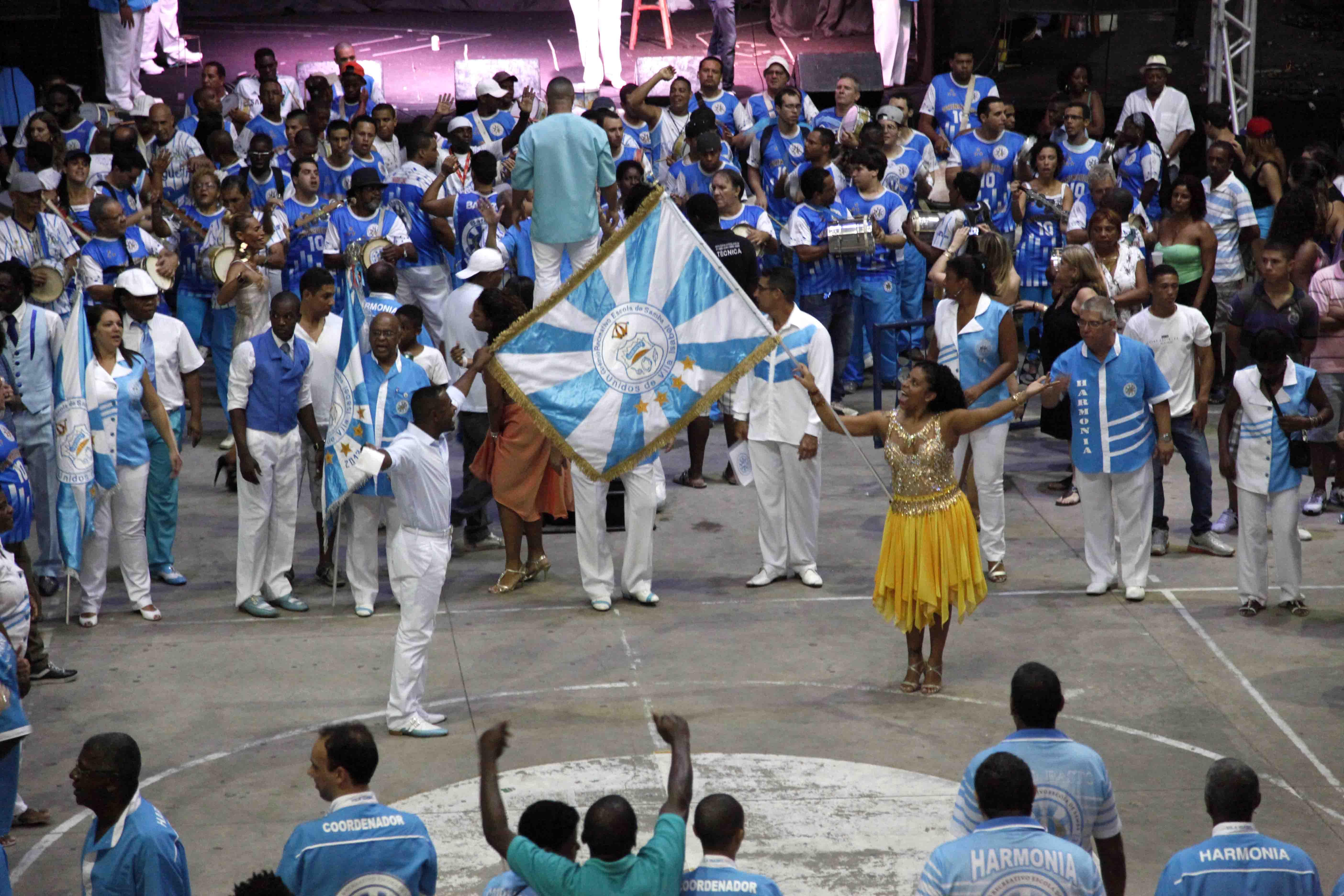 Cinco sambas continuam na Vila