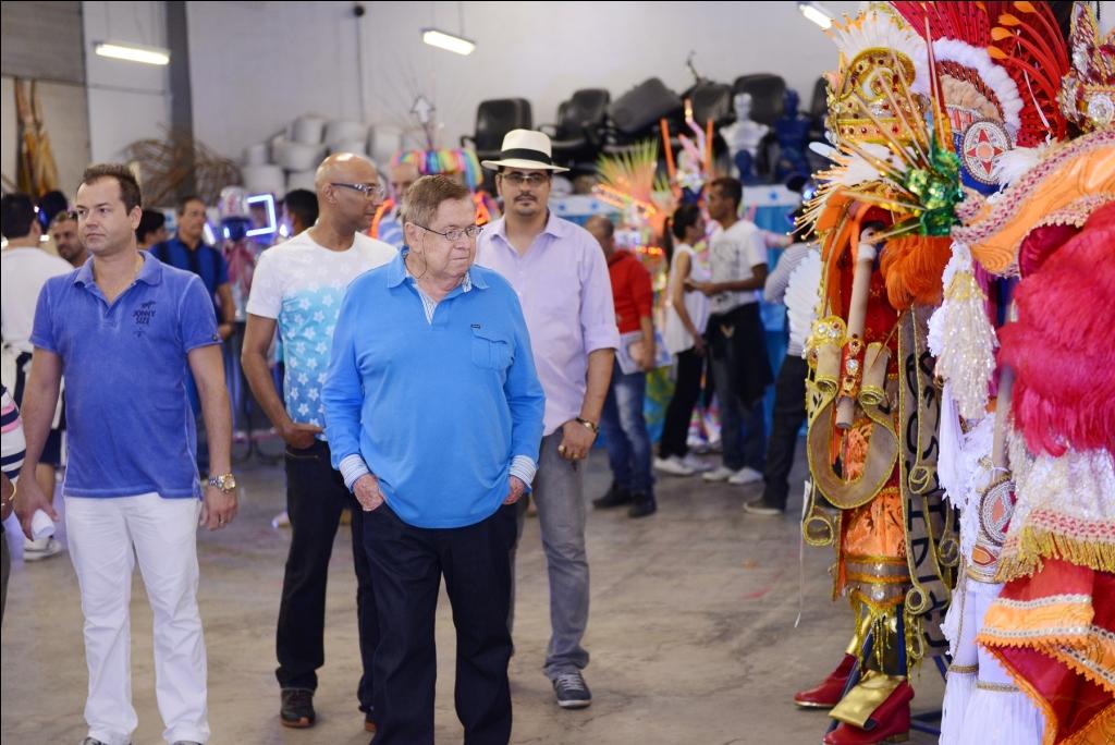 Em evento fechado, Beija-Flor lançou protótipos