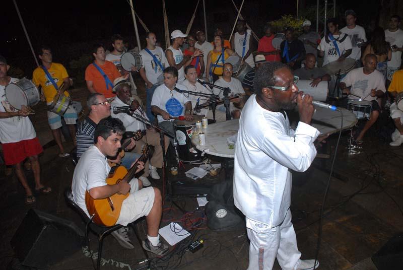 Roda de samba-enredo AO VIVO