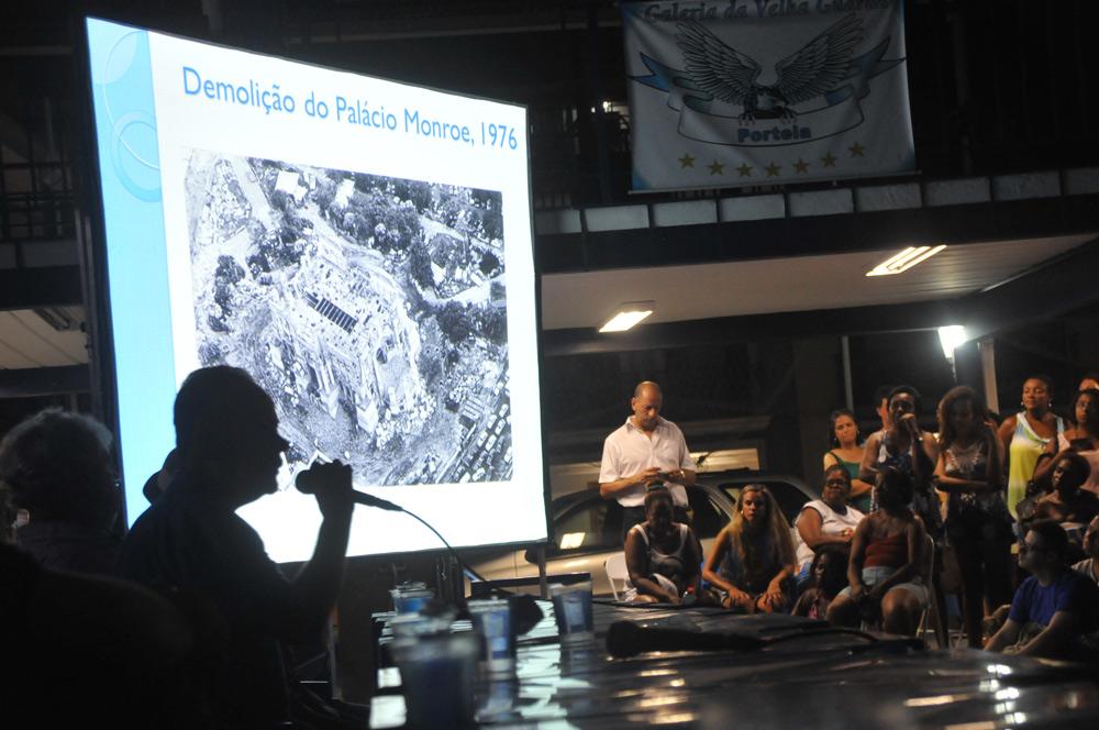 Portela apresentou detalhes do desfile para a comunidade