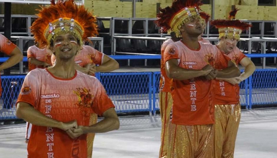 Sambas de Viradouro e Inocentes ao vivo