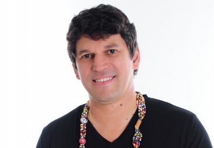 Gusttavo Clarão é atração do Rio Scenarium nesta terça