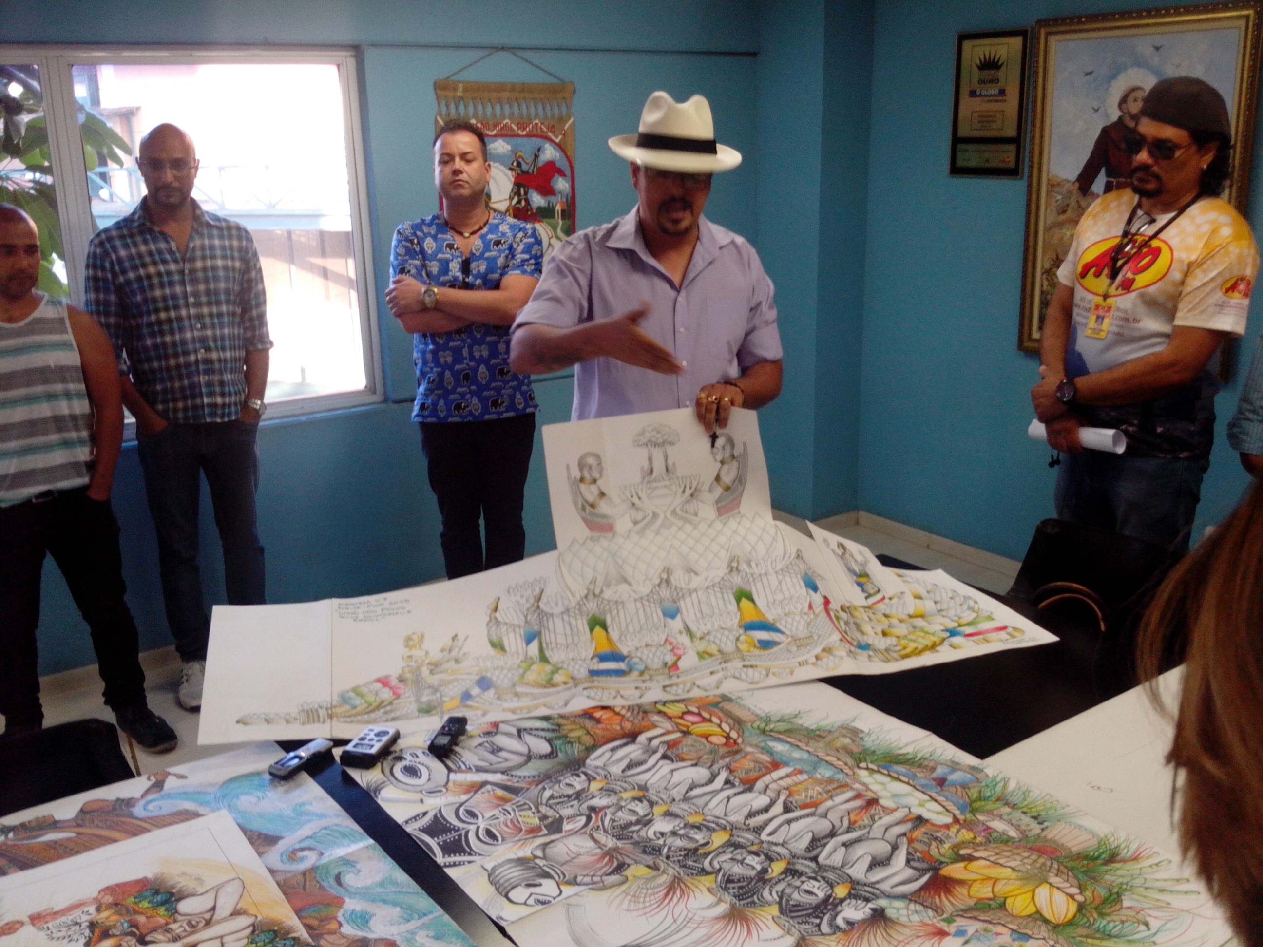 Beija-Flor mostra projeto de carnaval