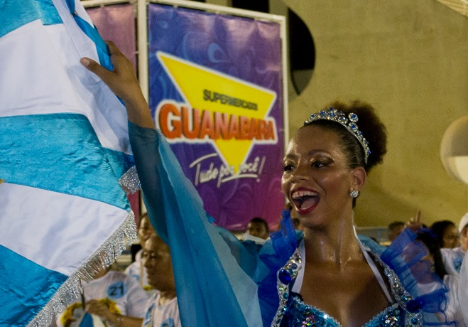 Vila tem nova porta-bandeira