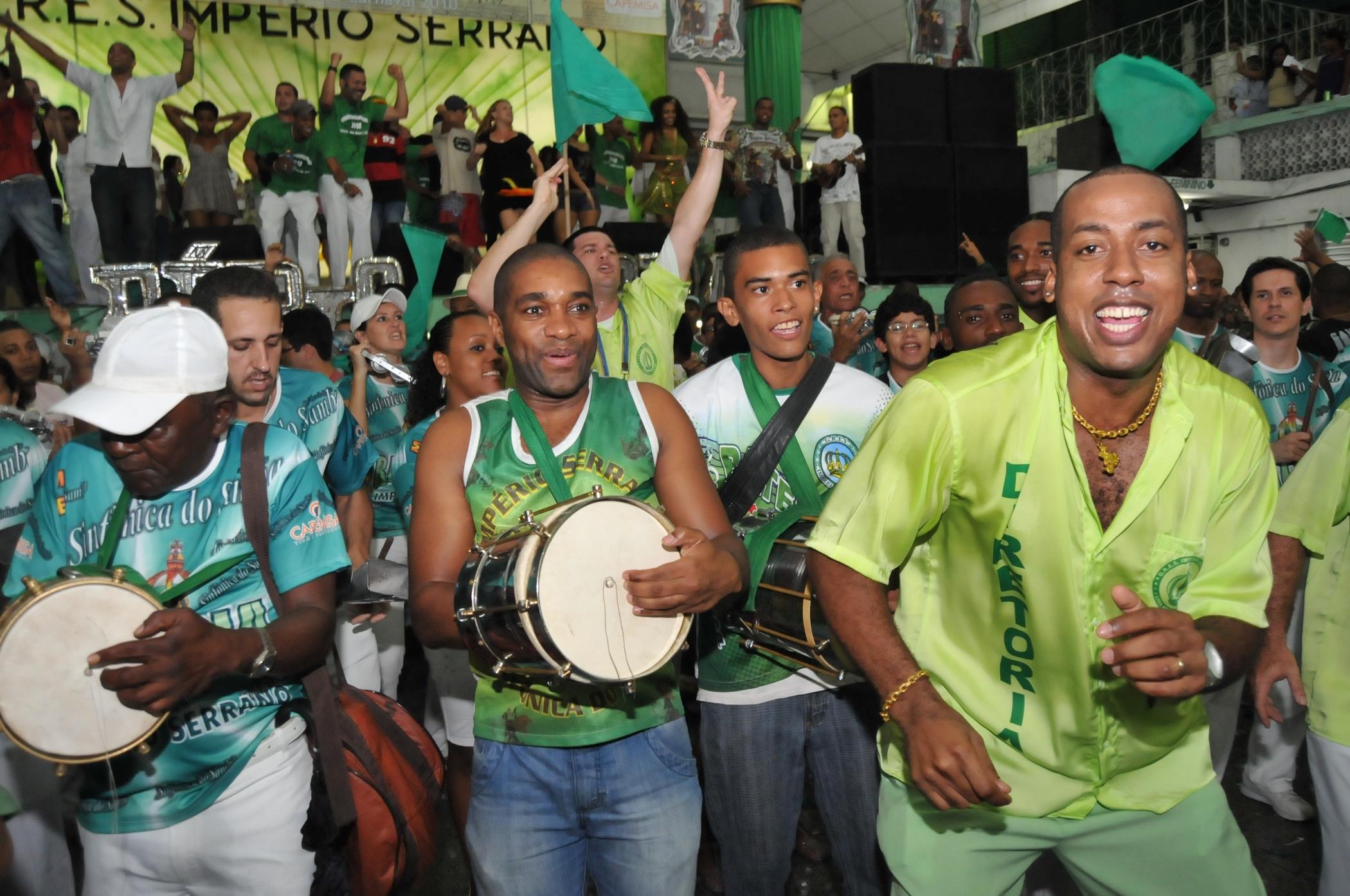 Império apresenta sambas no sábado