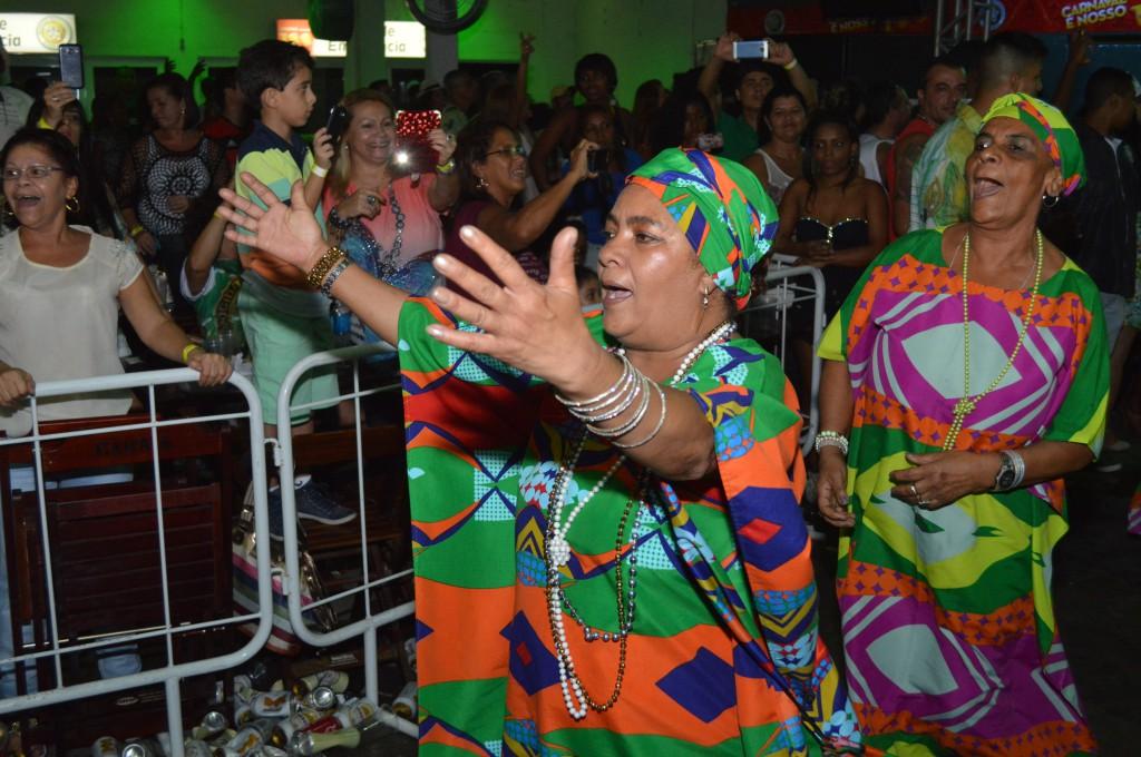 Mocidade faz festa das baianas no domingo