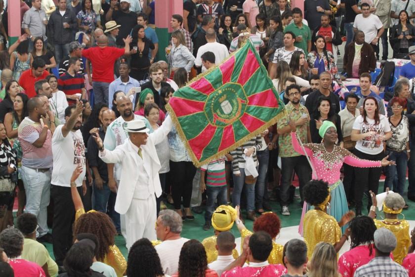 Mangueira faz quartas de final no sábado