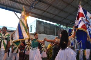 Bandeiras Nação e União da Ilha