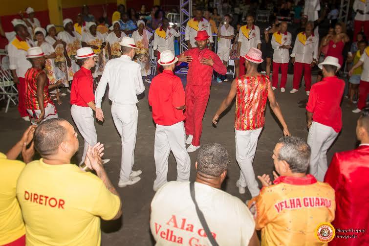 Leão de Nova Iguaçu faz último ensaio antes do Carnaval