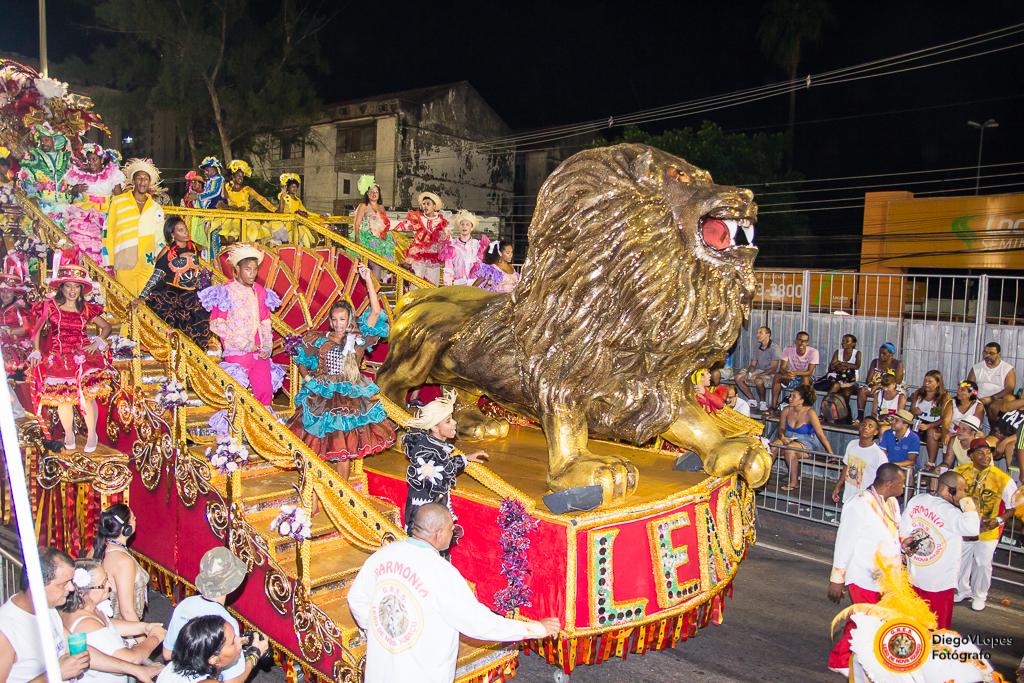 Leão de Nova Iguaçu encerra carnaval com desfile no domingo