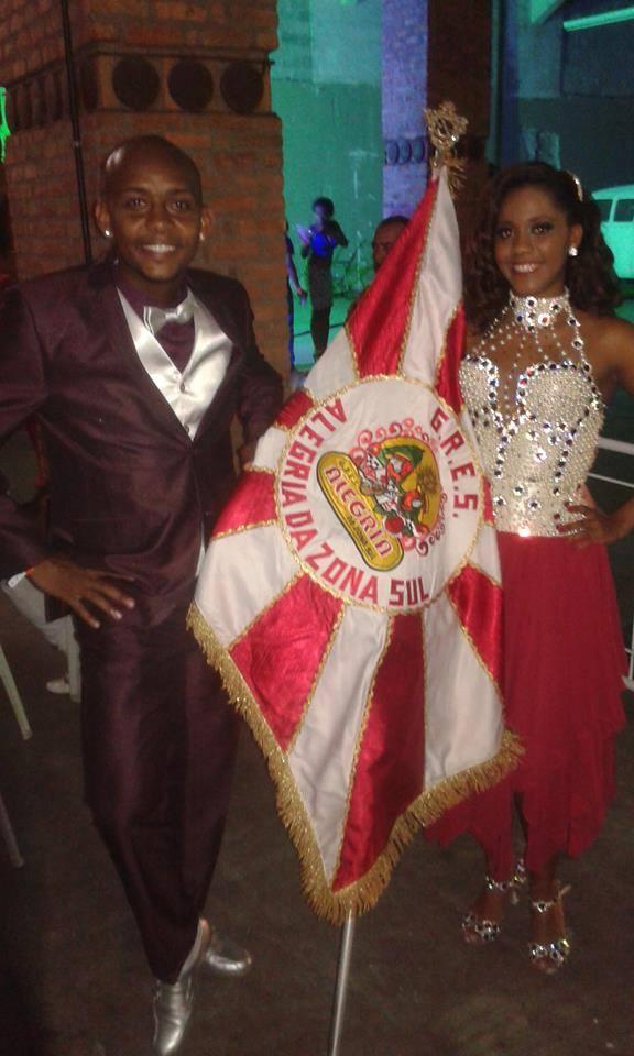 Alegria da Zona Sul renova com primeiro casal
