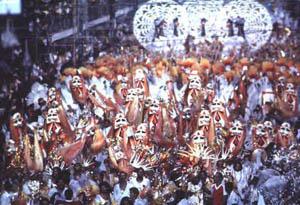 De volta ao afro, a Ilha sonha com um grande samba