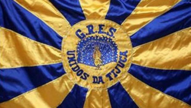 Tijuca desliga passista que fez vídeo com a bandeira da escola