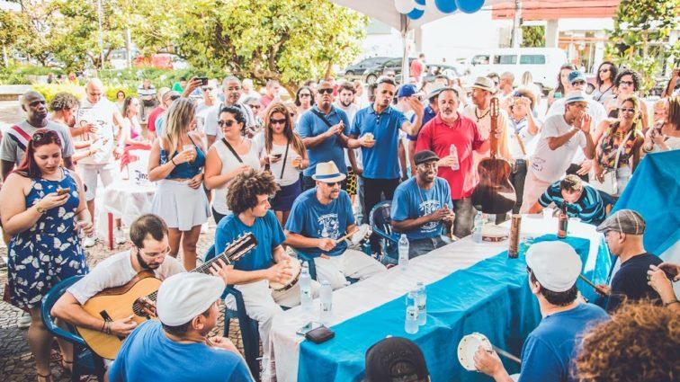 Consulado da Portela-SP esquenta os tamborins com roda de samba