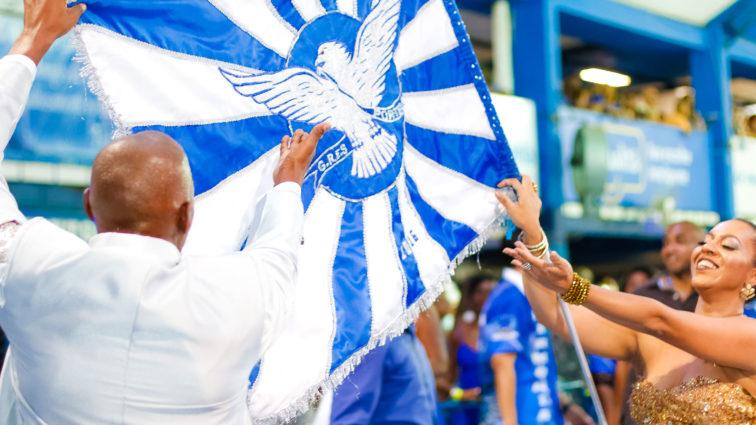 Portela vai animar passageiros do aeroporto Santos Dumont nesta sexta