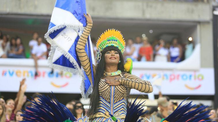 Beija-Flor apresenta novo formato de desfile e se destaca na harmonia