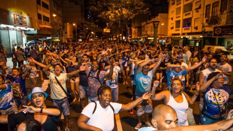 Vila Isabel faz ensaio de rua nesta quarta-feira