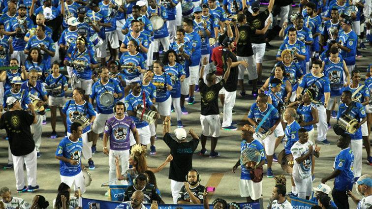 Ouça o samba da Vila Isabel em exclusiva versão ao vivo