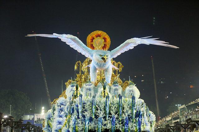 Portela, Império e o Carnaval de novo nos trilhos