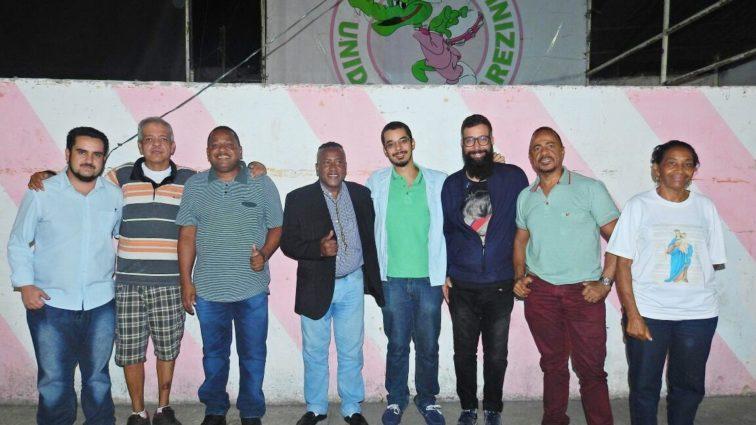Jacarezinho apresenta novo presidente em leitura de sinopse