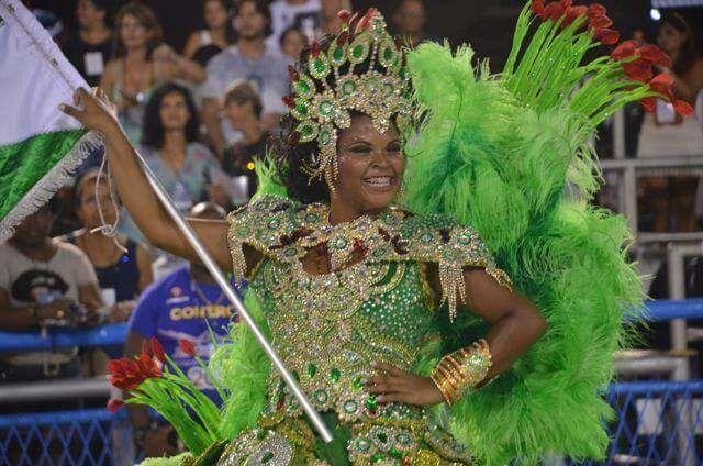Tupy de Braz de Pina anuncia nova porta-bandeira