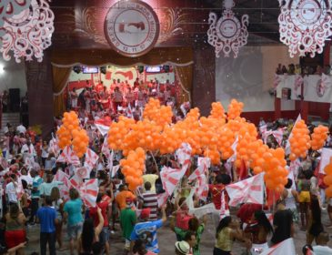 UPM fará final com três sambas na disputa