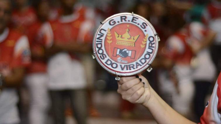 Viradouro faz semifinal do concurso de samba-enredo nesta sexta