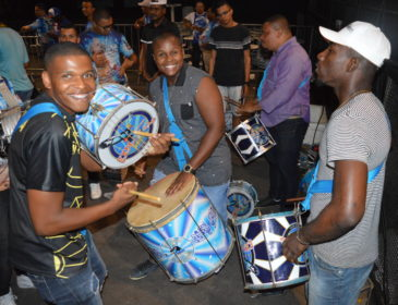 Tradição corta duas parcerias em sua primeira eliminatória de samba-enredo